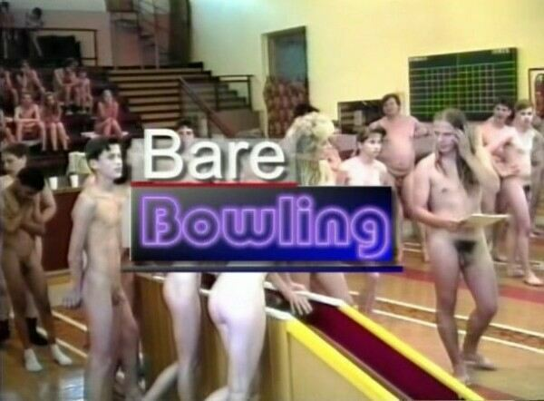 Bare Bowling-Family Nudism  裸ボウリング