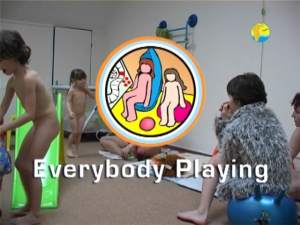 Everybody Playing-Naturist Freedom  みんなが遊ぶ