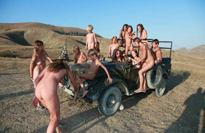 NEW!!! Family Nudism 2013-Nudist Family Events Pictures [Sand Dune Transports] ヌーディスト家族のイベント写真[砂丘トランスポート]
