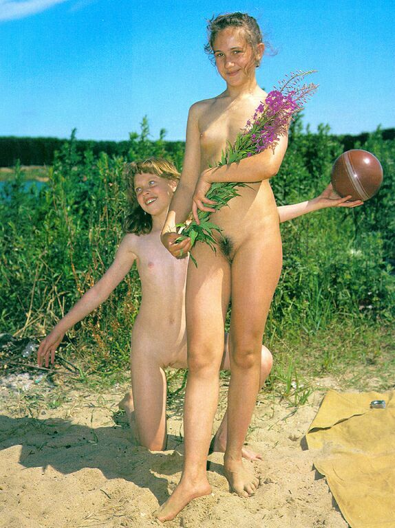 Retro Naturists Pics-Pure Nudism Photo Family set 01