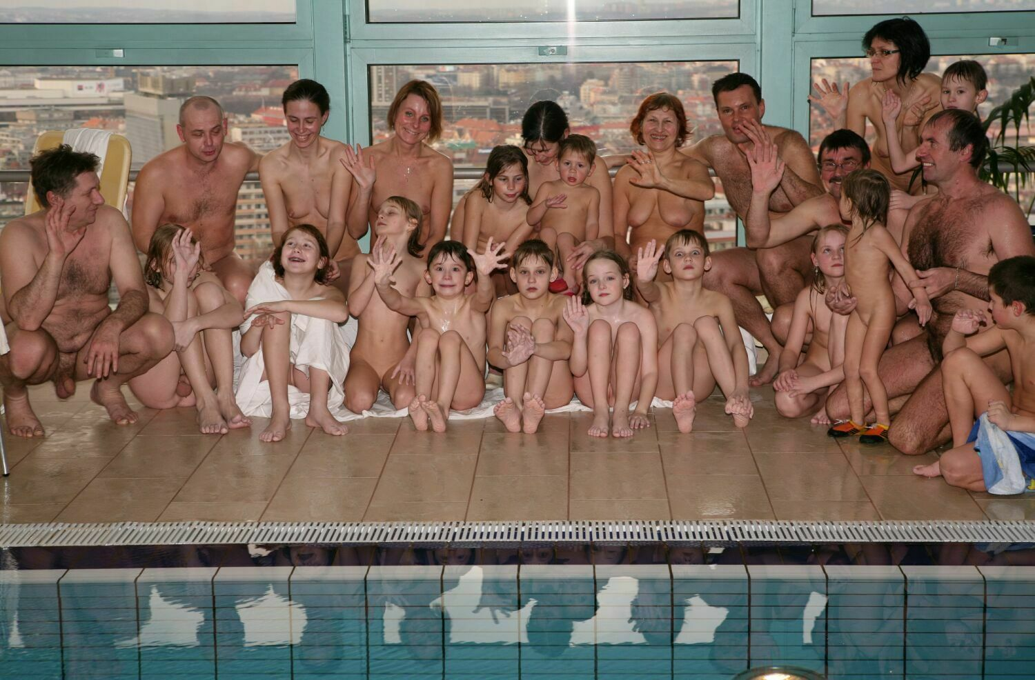 Nudist Pool Darts- Naturist Family Events [Pure nudism photos] set2