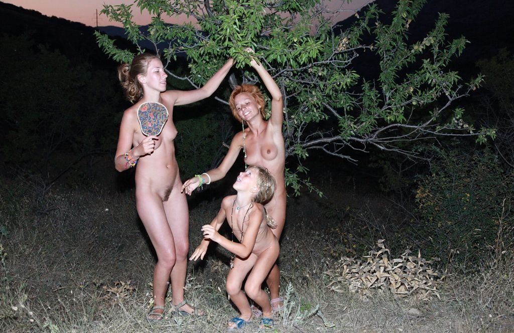 Family nudist events - After dark