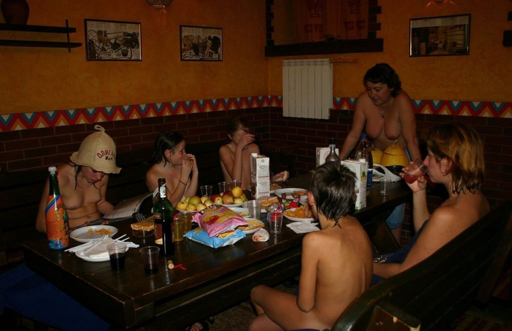 Naturist party in style - A Wild Wild West